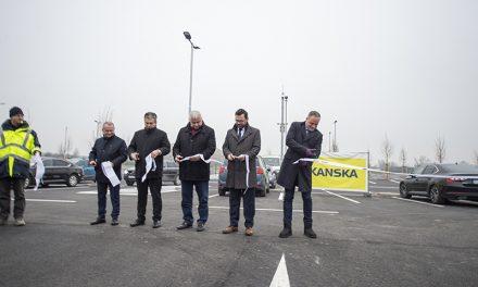 Záchytné parkovisko otvorili v Pezinku