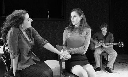 Divadlo ASTORKA KORZO´90 vystúpi v Prahe